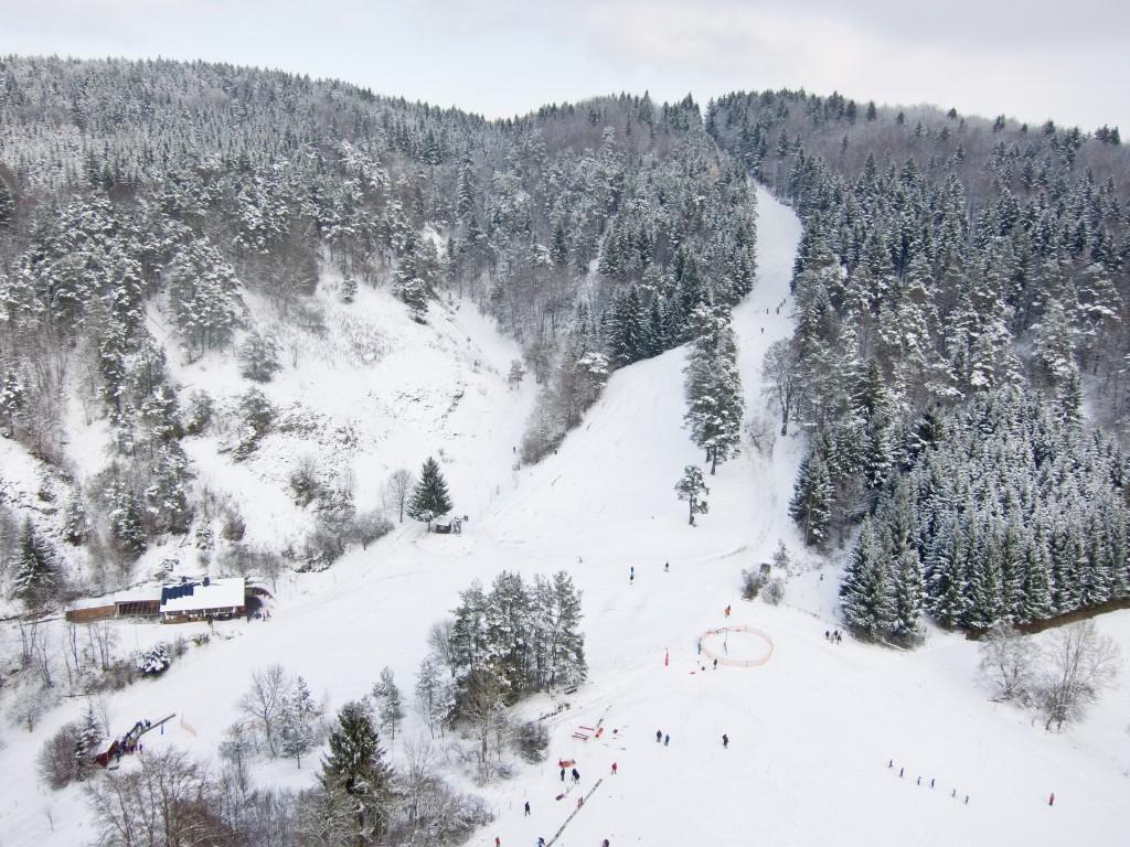 Luftaufnahme Skihang Antoni
